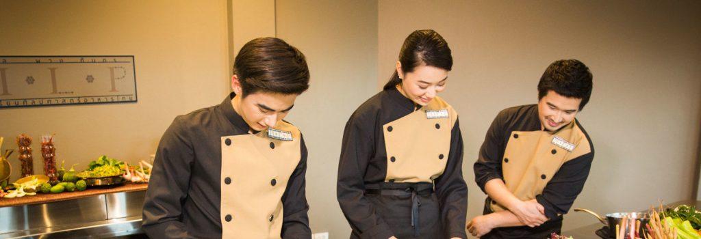 The Royal Exquisite Thai Cooking School โรงเรียนศิลปศาสตร์อาหารไทยหม่อมหลวงพวง ทินกร