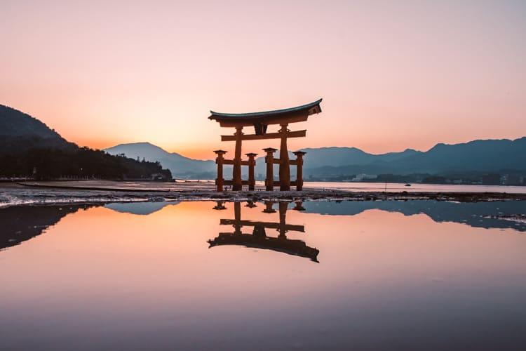 ศาลเจ้าอิสึกุชิมะ (Itsukushima Shrine) ฮิโรชิม่า
